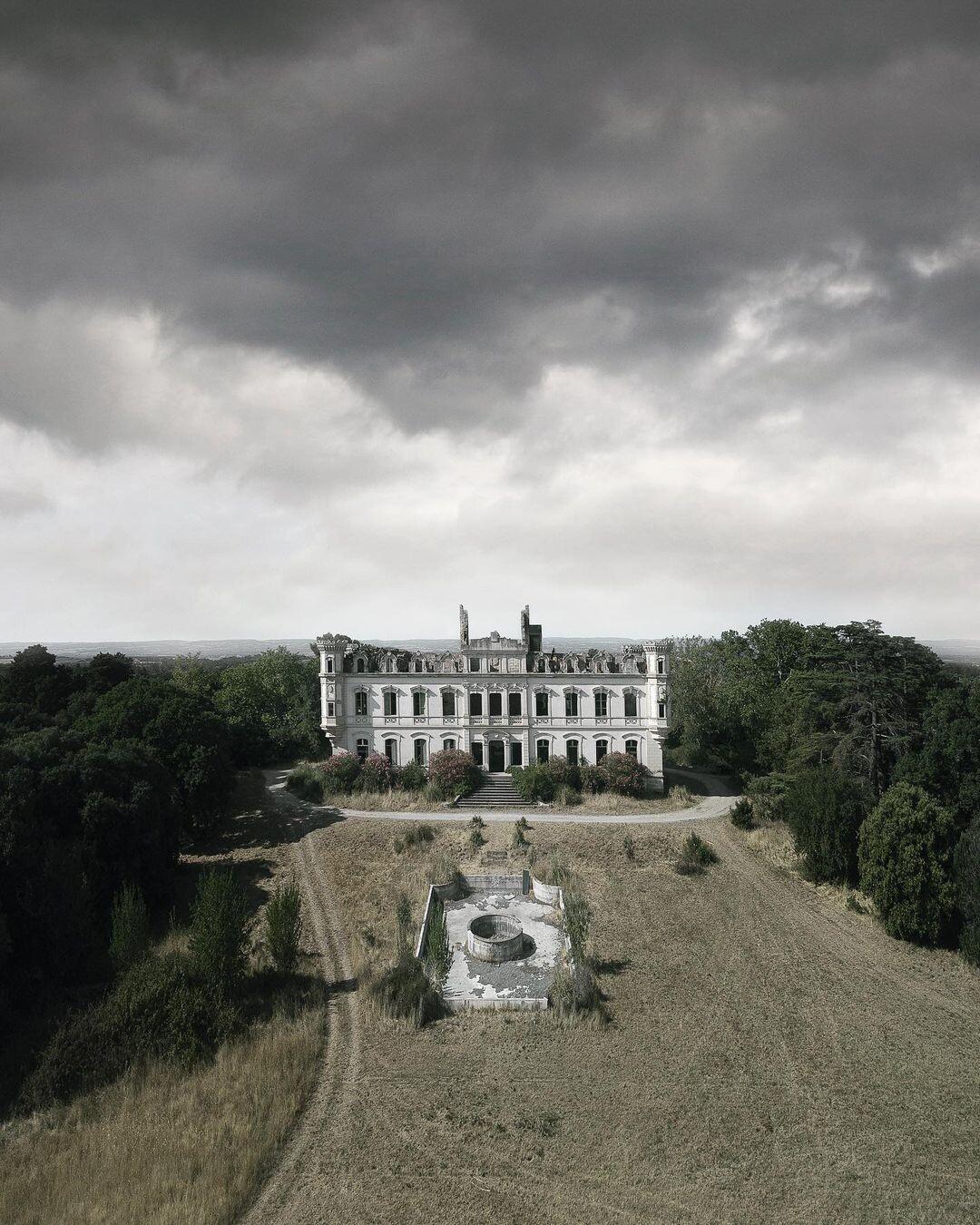 Заброшенный замок в Европе. Фотопроект Киммо Пархиала и Тани Палмунен «Заброшенная Скандинавия»