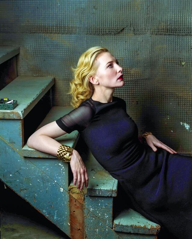 Кейт Бланшетт на лестнице. Фотограф Энни Лейбовиц