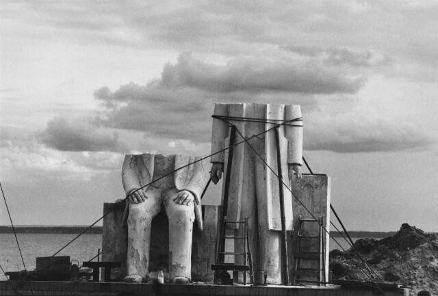 Маркс-Энгельс монумент, ГДР, 1984 год. Фотограф Сибилла Бергеман