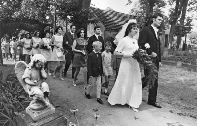 Из серии «Фермерская свадьба», Бранденбург, ГДР, 1973 год. Фотограф Сибилла Бергеман