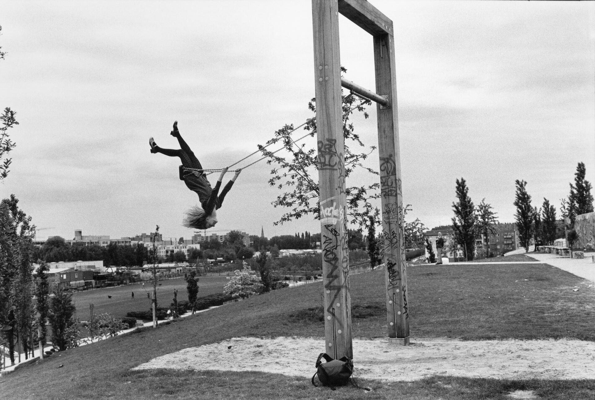 Мауэрпарк, Берлин, из серии «Восточный Берлин 1972-1996», 1996 год. Фотограф Сибилла Бергеман