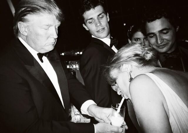 Дональд Трамп, Кейт Мосс, Зак Позен и Роберто Болле. Нью-Йорк, 2008. Фотограф Марио Тестино
