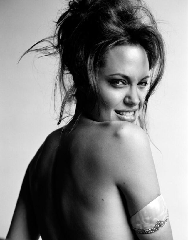 Анджелина Джоли, Allure, 2004. Фотограф Марио Тестино