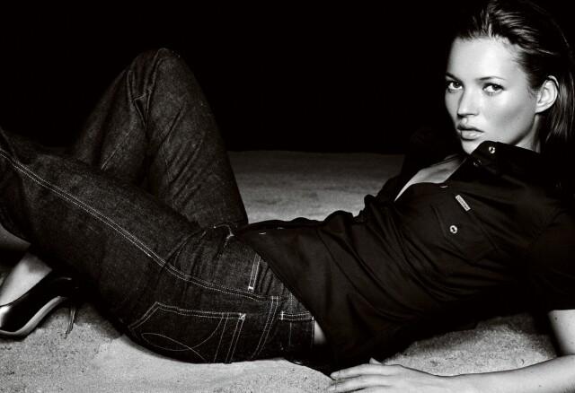 Кейт Мосс, Париж, Calvin Klein Jeans, 1998. Фотограф Марио Тестино