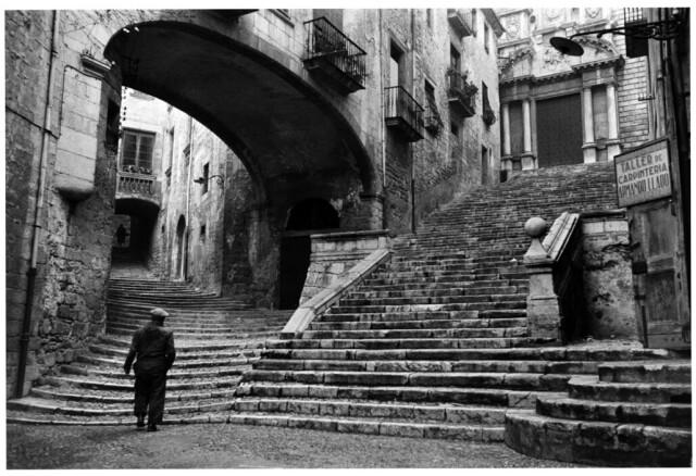 Две пары ступеней, Испания. Жирона, Каталония. 1955 год. Фотограф Инге Морат