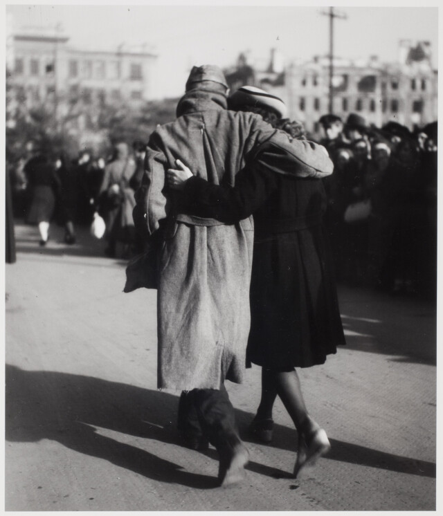 Возвращение военнопленных, Вена, 1947. Фотограф Эрнст Хаас
