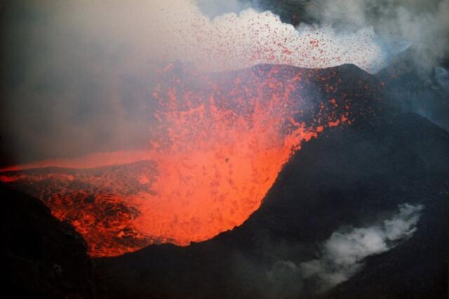 Вулкан Сюртсей, Исландия, 1965. Фотограф Эрнст Хаас