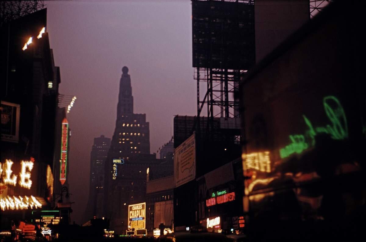 Таймс-сквер, Нью-Йорк, 1952. Фотограф Эрнст Хаас
