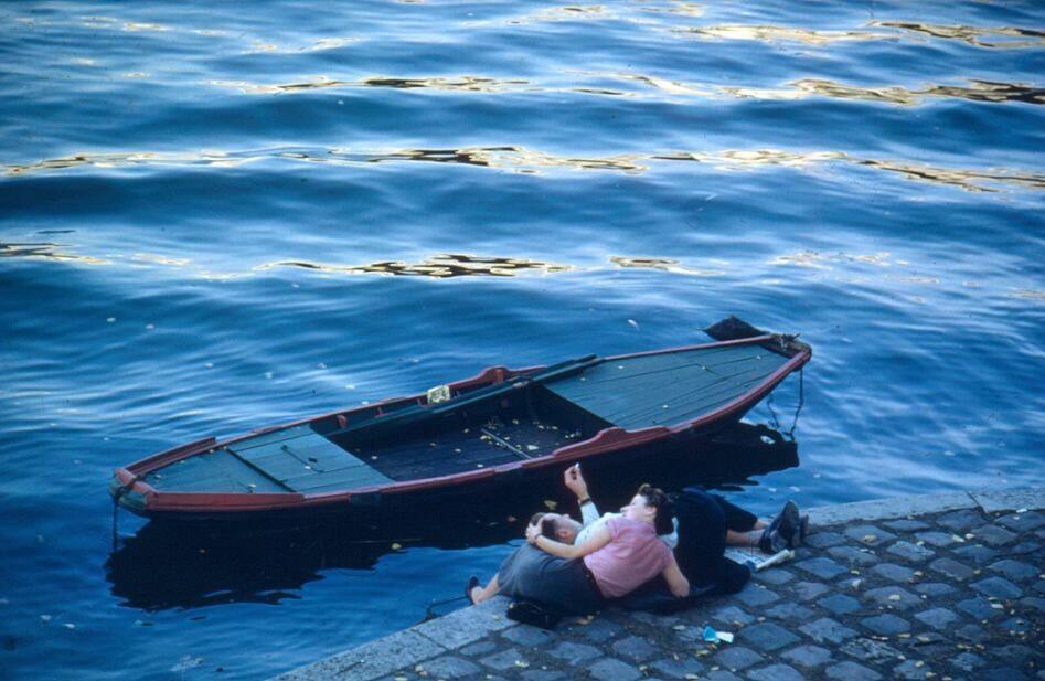 Влюблённые. Сена, Париж, 1955. Фотограф Эрнст Хаас