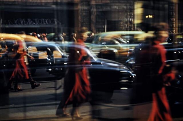 Отражения. Нью-Йорк, 1957. Фотограф Эрнст Хаас