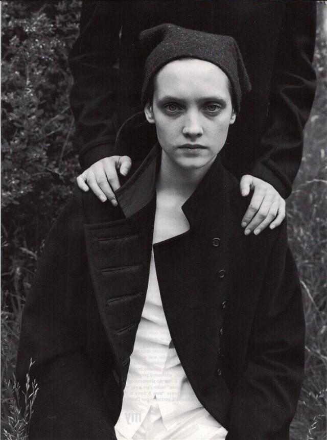 Vogue Италия, ноябрь 1998 года. Фотограф Юрген Теллер