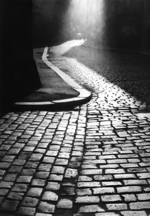 Пустынная улица, 1970. Фотограф Франтишек Досталь