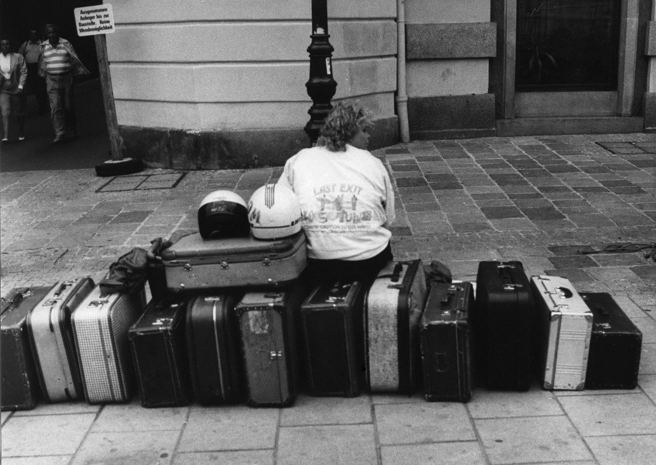 На чемоданах. Фотограф Франтишек Досталь