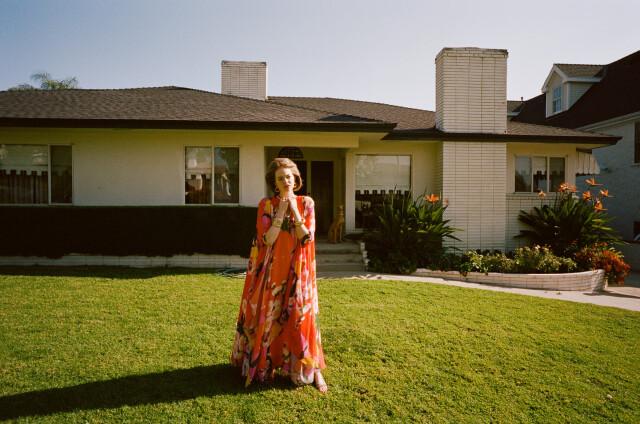 Эмма Стоун в рекламной кампании «W Magazine», март, 2019 год. Фотограф Йоргос Лантимос