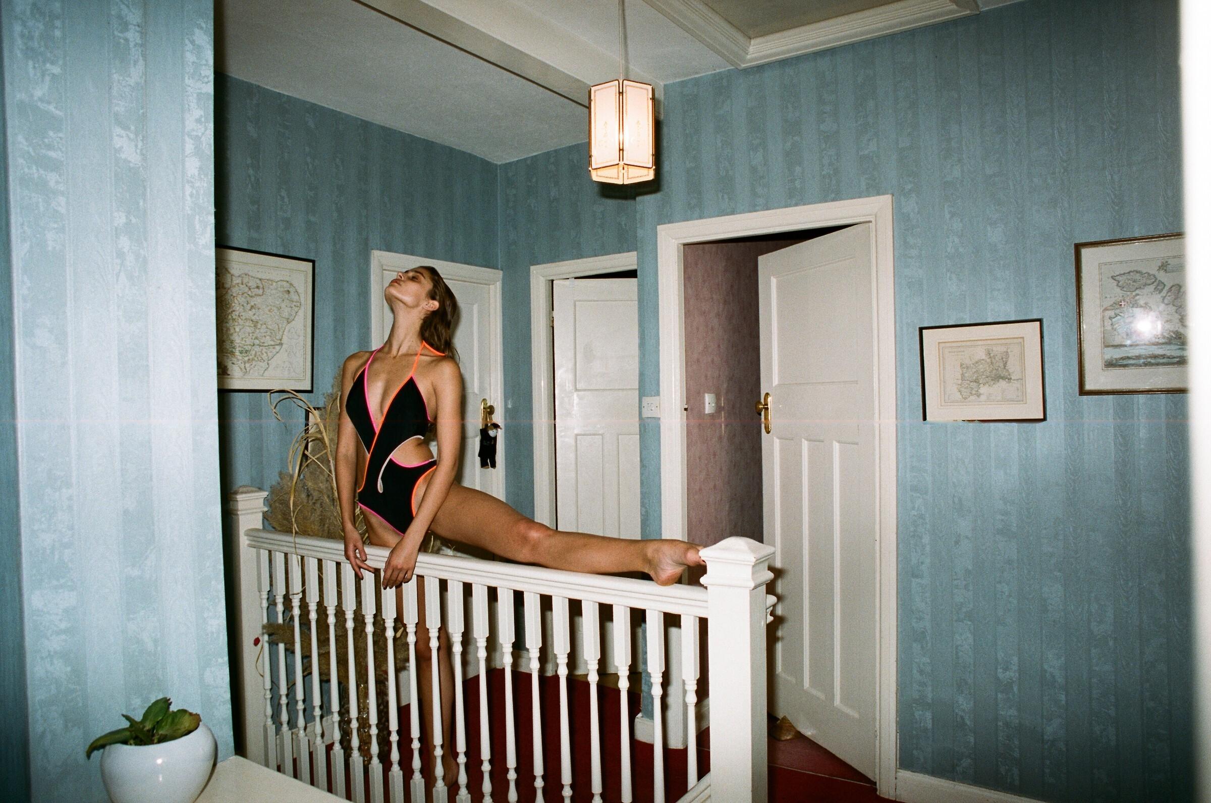 Тейлор Хилл в летнем «V Magazine», май, 2016 год. Фотограф Йоргос Лантимос