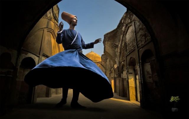 Финалист в категории «Изменённые изображения», 2020. «Суфийские танцы». Автор Гоутам Чаттерджи