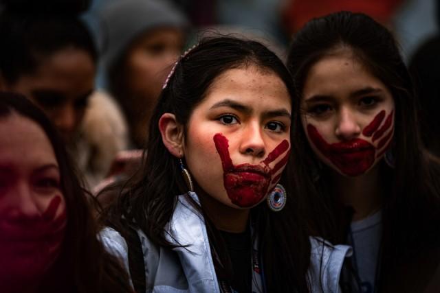 Гран-при, 2020. Девушки народности Пискатауэй на Женском марше, чтобы повысить осведомлённость о насилии в отношении коренных американцев. Вашингтон, округ Колумбия, 18 января 2020 года. Автор Скайлер Уилсон