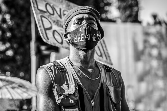 Победитель в категории «Люди», 2020. Забастовка в память о Джордже Флойде, Калифорния. Автор Мэтт Стаси