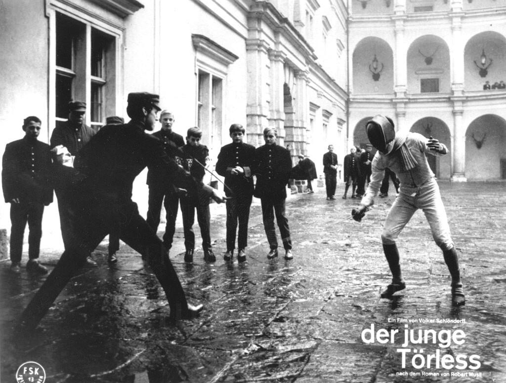 Der junge Törless courtyard fencing