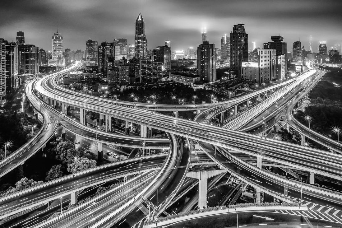 «Шанхайские ночи». 2-е место в категории «Архитектура», 2020. Автор Карстен Ридл