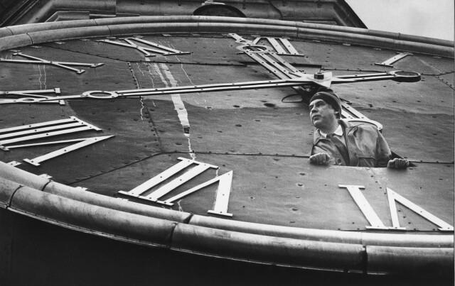 Хранитель кремлёвских курантов, 1990. Фотограф Александр Абаза