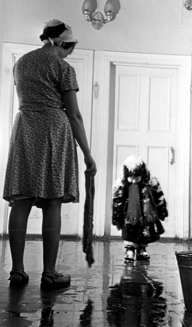 Догулялся, 1960. Фотограф Николай Хорунжий