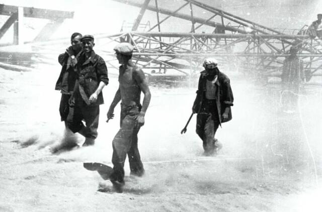 Нефтяники, 1960-е. Фотограф Семён Фридлянд