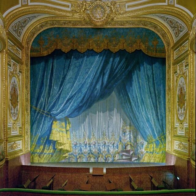 Занавес Императорского театра во дворце Фонтенбло, Франция, 2019 год. Фотограф Дэвид Левенти