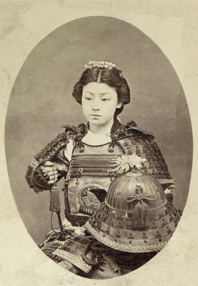 Женщина-самурай в конце 1800-х годов, предположительно Накано Такэко