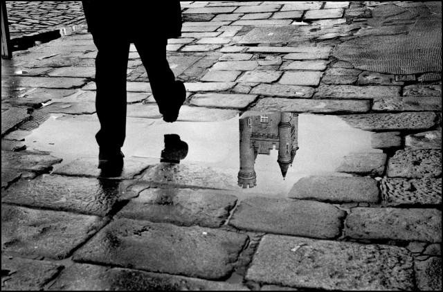 Мокрый шаг, Абердин, Шотландия, 2011. Джефф Уайденер