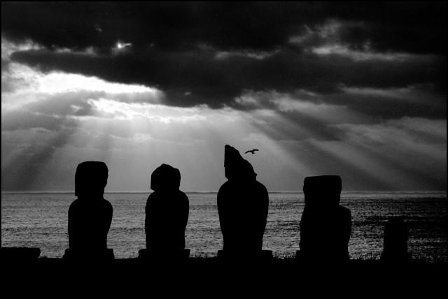 Остров Пасхи, 2003. Джефф Уайденер