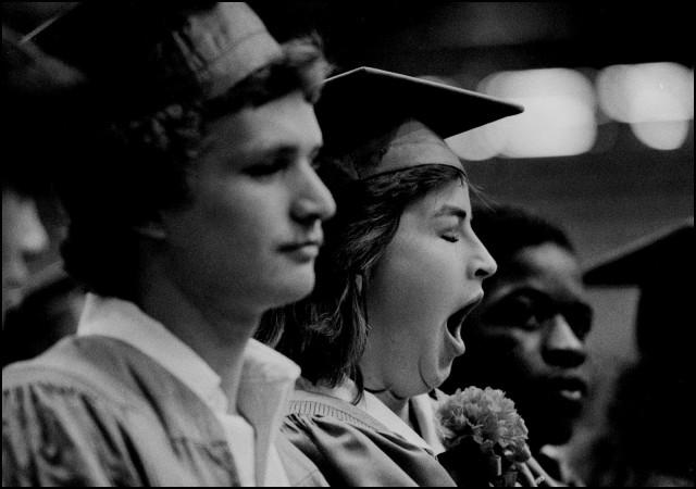 Сонная старшеклассница, Эвансвилл, Индиана, США, 1981. Джефф Уайденер