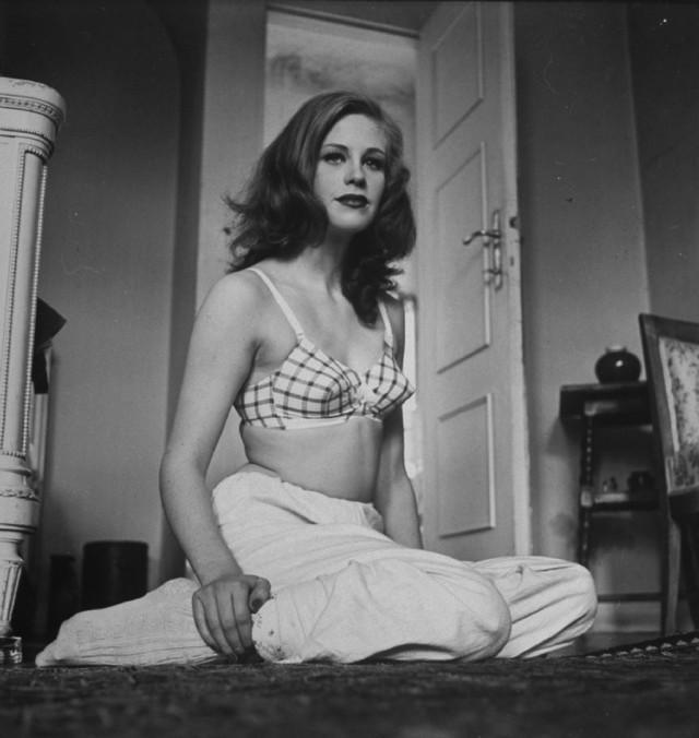 Актриса Хильдегард Кнеф, 1947. Уолтер Сандерс