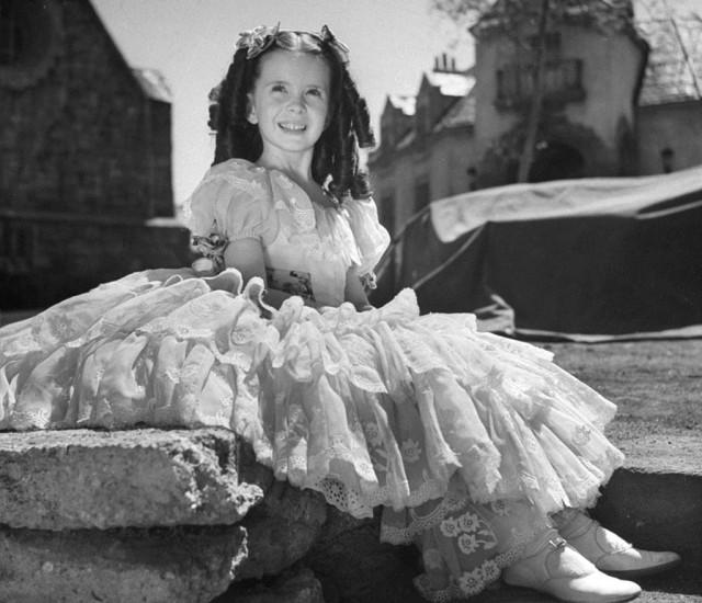 Маргарет О'Брайен на съёмках фильма «Джейн Эйр», 1943. Уолтер Сандерс
