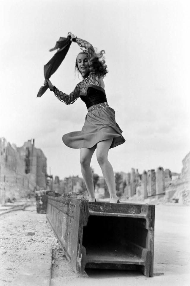Хайди Шарф, 1946. Уолтер Сандерс