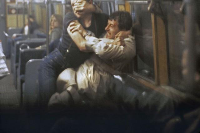 Борьба в метро, Лондон, 1980-е. Боб Маззер