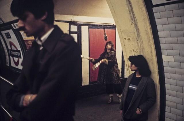 Жонглёр в метро, Лондон, 1980-е. Боб Маззер