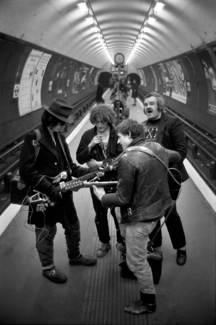 Уличные музыканты в Клэпхэме, Лондон, 1980-е. Боб Маззер