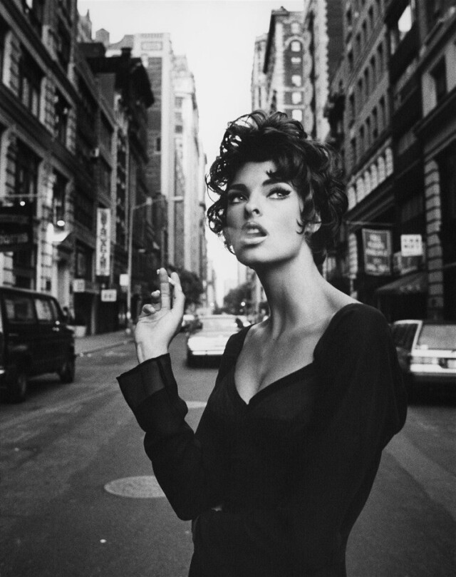 Линда Евангелиста, Vogue Italia, 1990. Фотограф Стивен Майзель