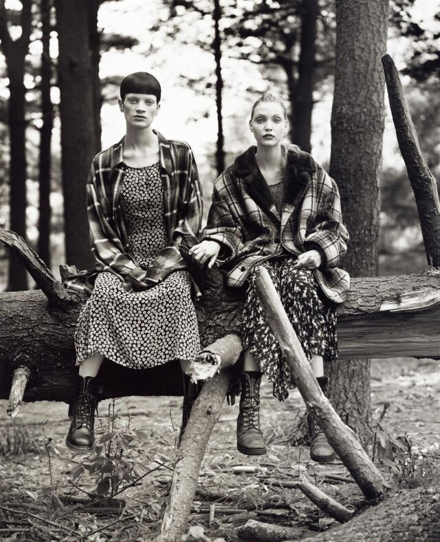 Кристен Макменами и Надя Ауэрманн, Vogue США, 1992. Фотограф Стивен Майзель