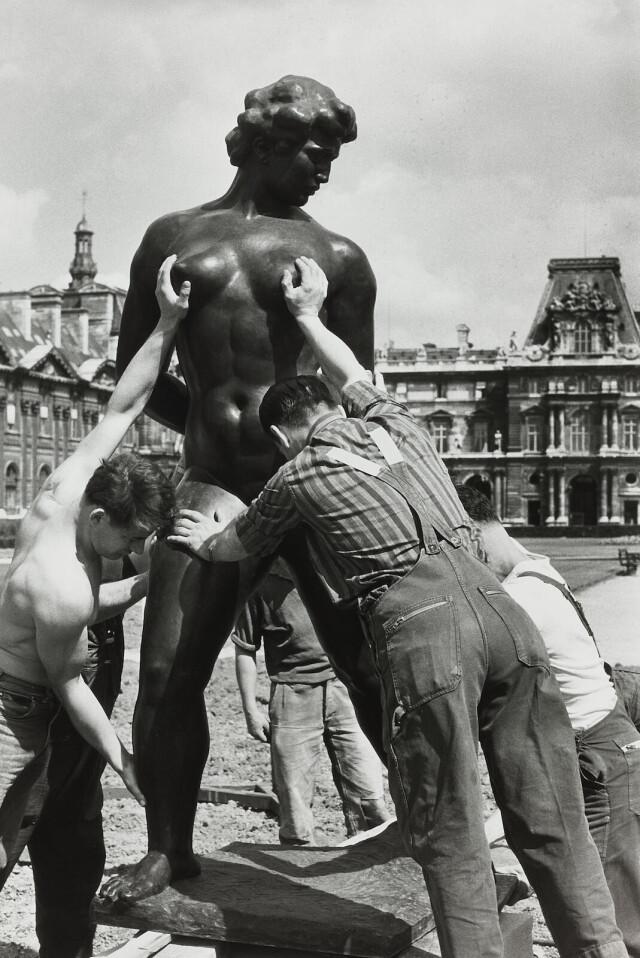 Ухватиться за Венеру, 1964. Фотограф Робер Дуано
