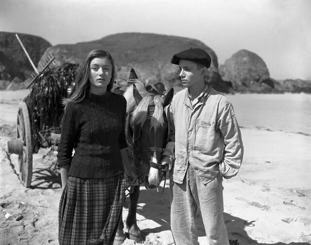 Анук Эме на съёмках фильма «Во цвете лет», 1947. Фотограф Эмиль Савитри
