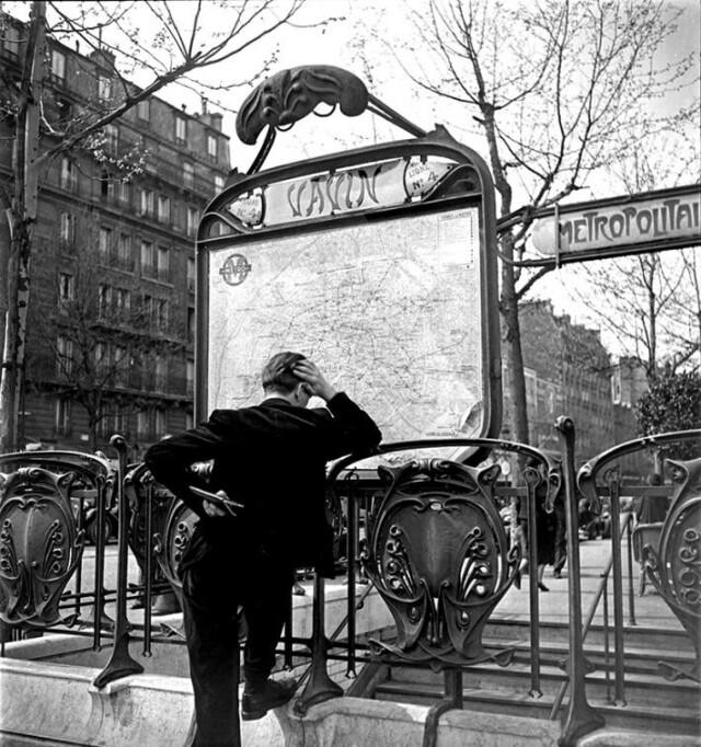 Станция парижского метрополитена Вавен, 1950-е. Фотограф Эмиль Савитри