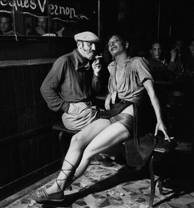 Бар в Париже, 1938. Фотограф Эмиль Савитри