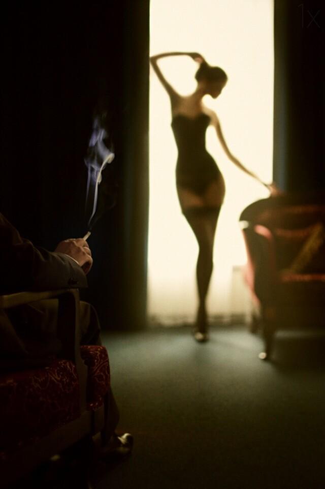Приватный танец. Фотограф Давид Дубницкий