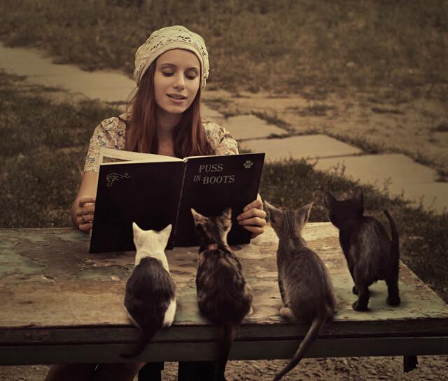 Сказки для дворовых малышей. Фотограф Давид Дубницкий