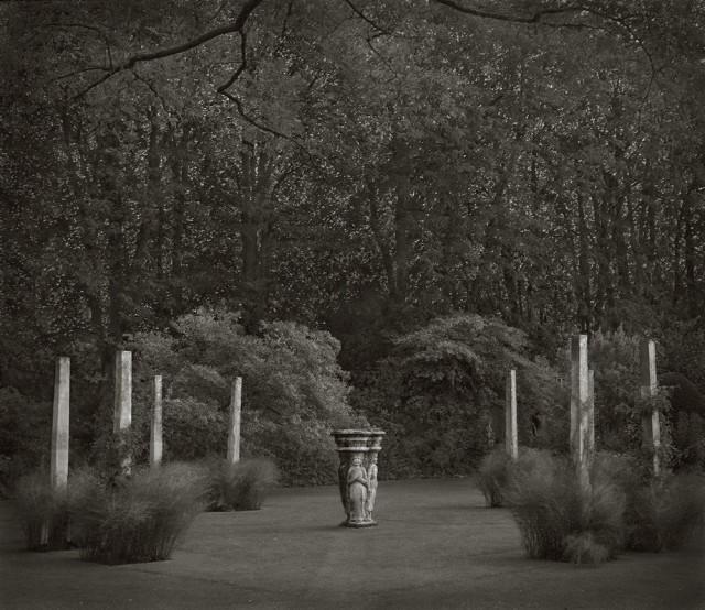 Колонный сад, Кортс, Англия. Бет Доу