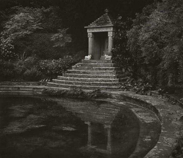 Храм Сурьи, Сезинкот. Бет Доу