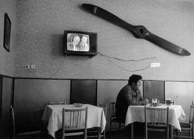 За столиком, Острава. Фотограф Виктор Колар