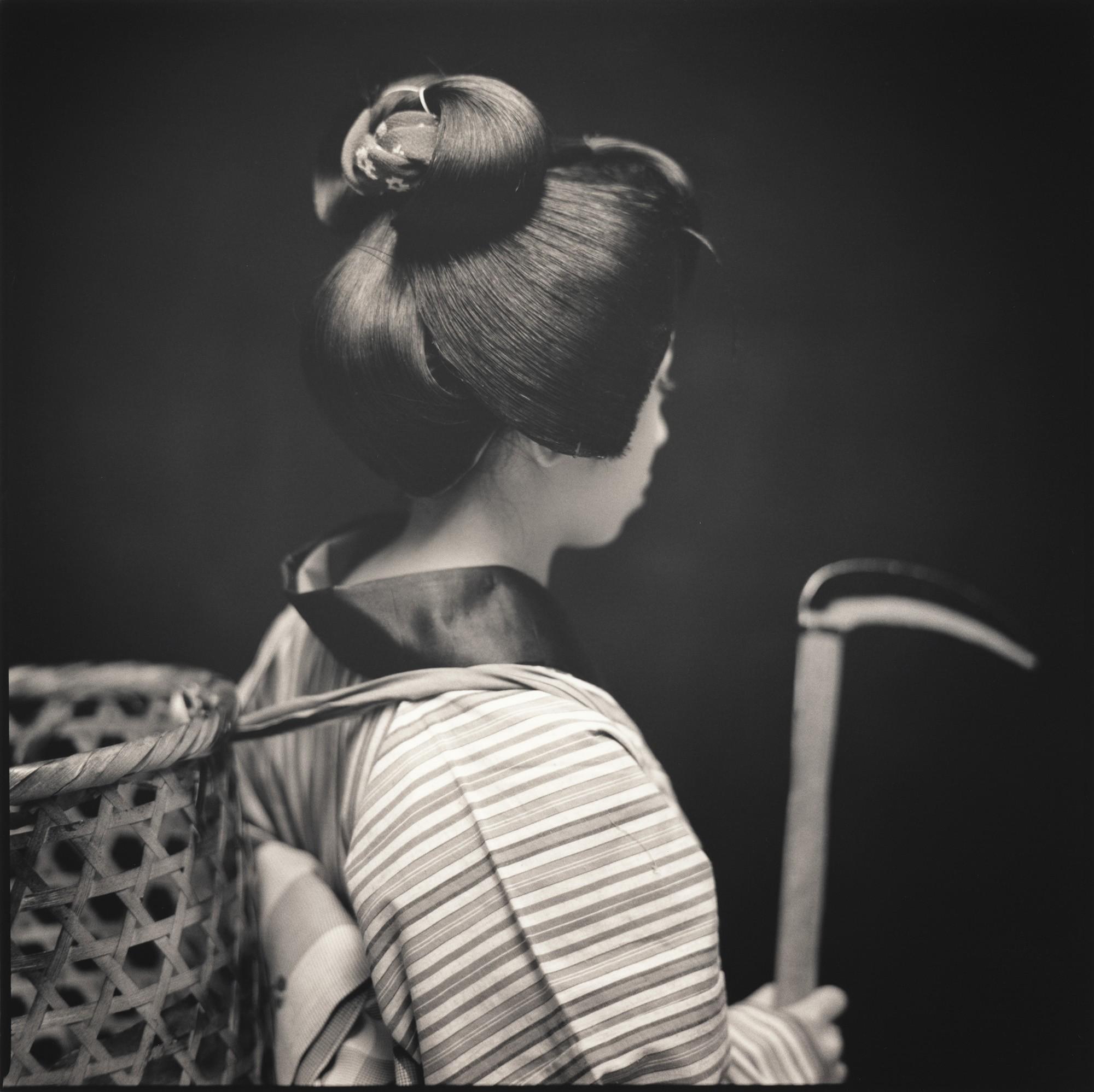 Актёры кабуки. Нори Маруяма в роли Окоу. Хироси Ватанабэ